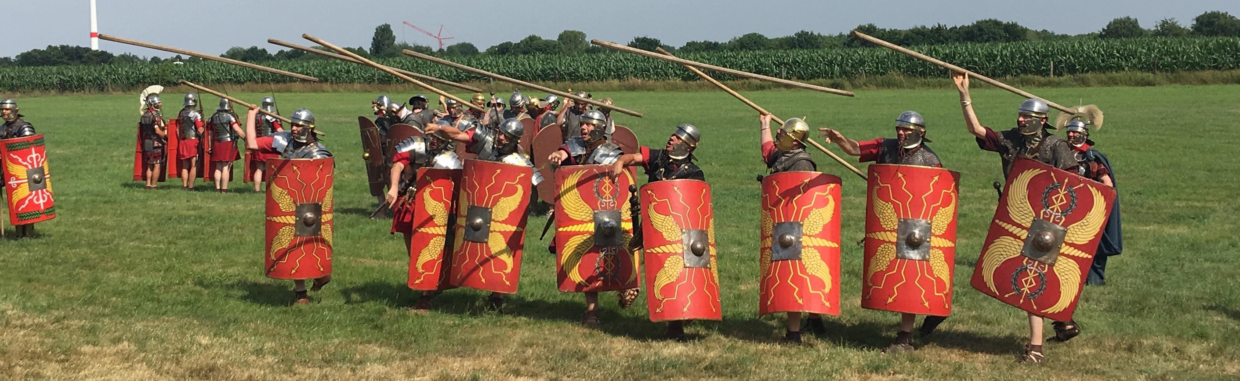 Romeinen gooien speren